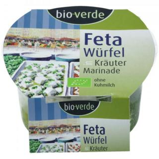 Feta-Würfel mit Kräutern